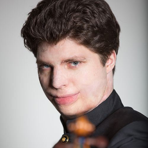 image of augustin hadelich.  tchaikovsky, beethoven and tree of dreams.  augustin hadelich, violin. kansas city symphony. june 5-7